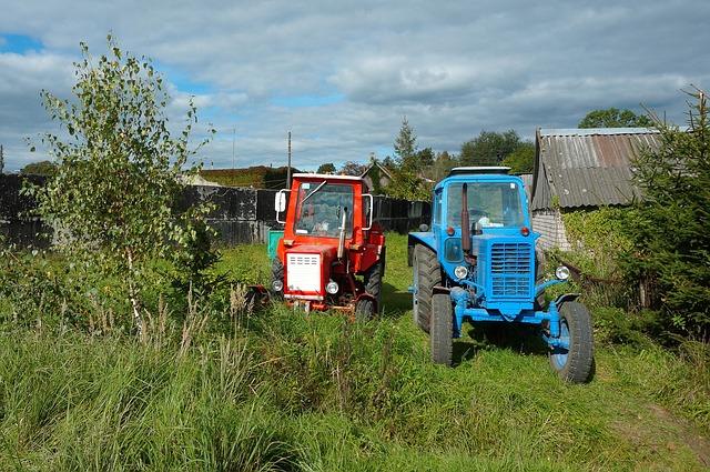 dva traktory