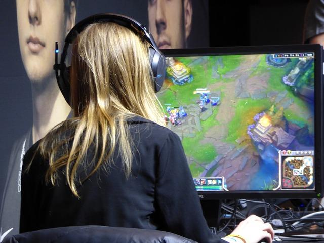žena a online hry