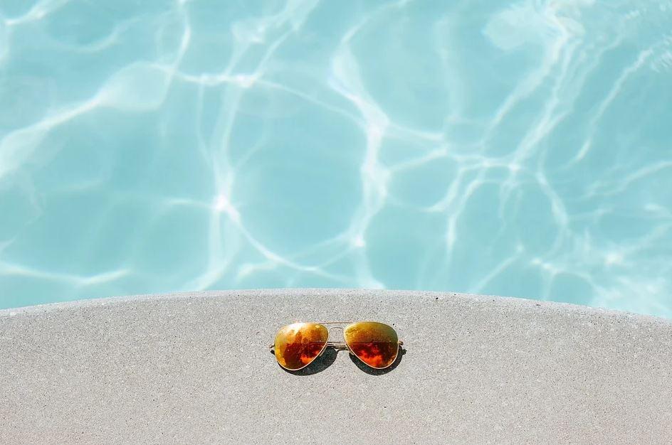 pohled do bazénu